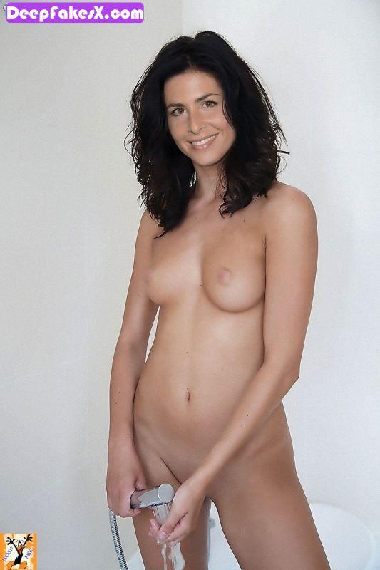 fotos nuria roca desnuda preparada para la ducha deepfakes
